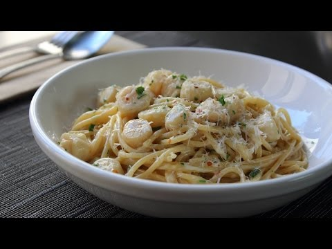 Creamy Bay Scallop Spaghetti - Pasta with Bay Scallops and Sherry Cream Sauce
