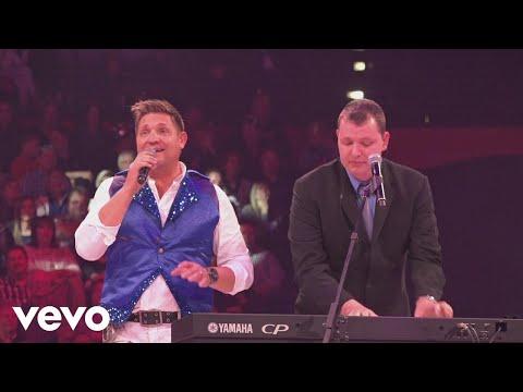 Kurt Darren, Brendan Peyper, Ray Dylan, Nicholis Louw – Piano Boys Medley