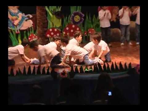 Uğur Koleji Beylikdüzü Anaokulu Erkek Dans 2012