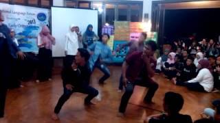 Dance Performance by Al-Fatih Team at NEO ILF 2013