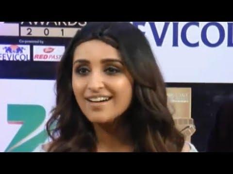 Parineeti Chopra Singing Without Music - Maana Ke Hum Yaar Nahin