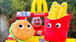 Magic McDonald's pretend play with magic toy food