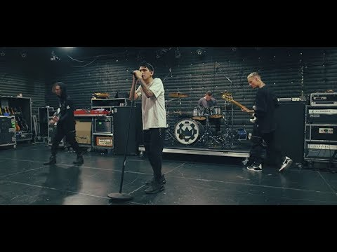 Crown The Empire - What I Am (Live At SIR Studios In Nashville, TN)