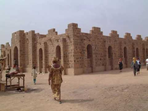 City college , Kidal ,city of Mali, tour guide to monuments, buildings, history and attractions
