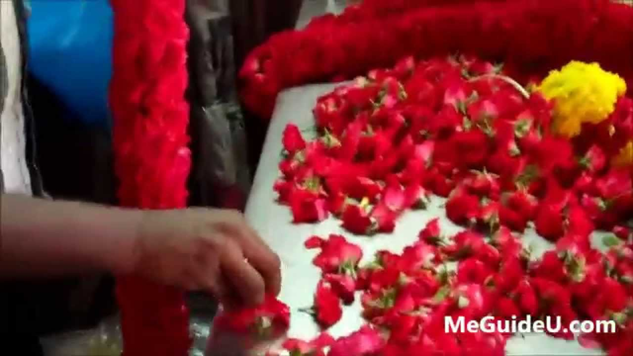 Flower arranging at high speed little india singapore youtube flower arranging at high speed little india singapore izmirmasajfo
