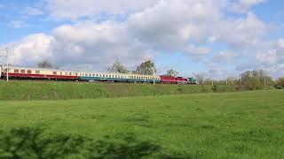 Überführung E 11 001 und 202 457 von Halle nach Nürnberg