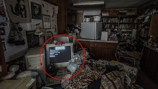 INSANE Abandoned Untouched Thrift Store | Computer Still Running!
