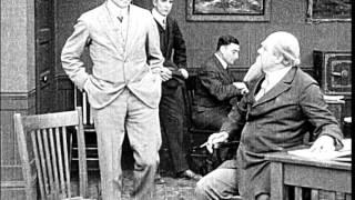 Charlie Chaplin dans Pour gagner sa vie (Making a Living, 1914)