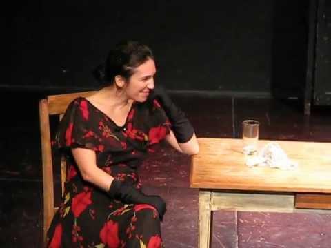 La señorita Julia interpretada por Laura Sardin