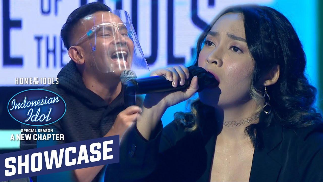 Download GOKIL!!! Standing Applause Dari Semua Dewan Juri Untuk Penampilan Kezia - Showcase 1 Indonesian Idol
