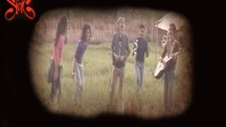 Gambar cover Slank - Hujan (Official Music Video)