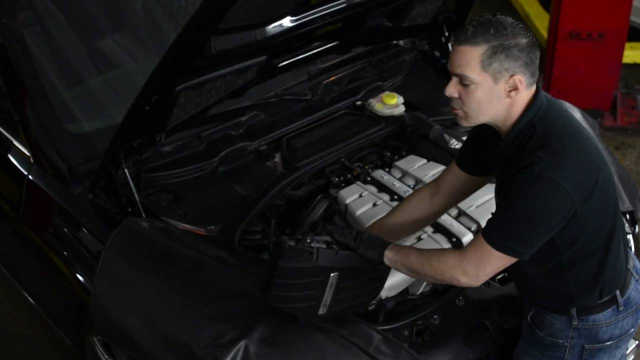 How To Access The Battery Of A Bentley Continental Gt When 2005 Arnage Wiring Diagram Is Dead