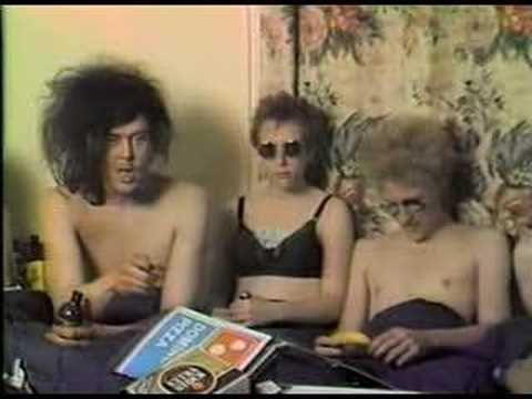 Butthole Surfers - Interview in bed (part 1)