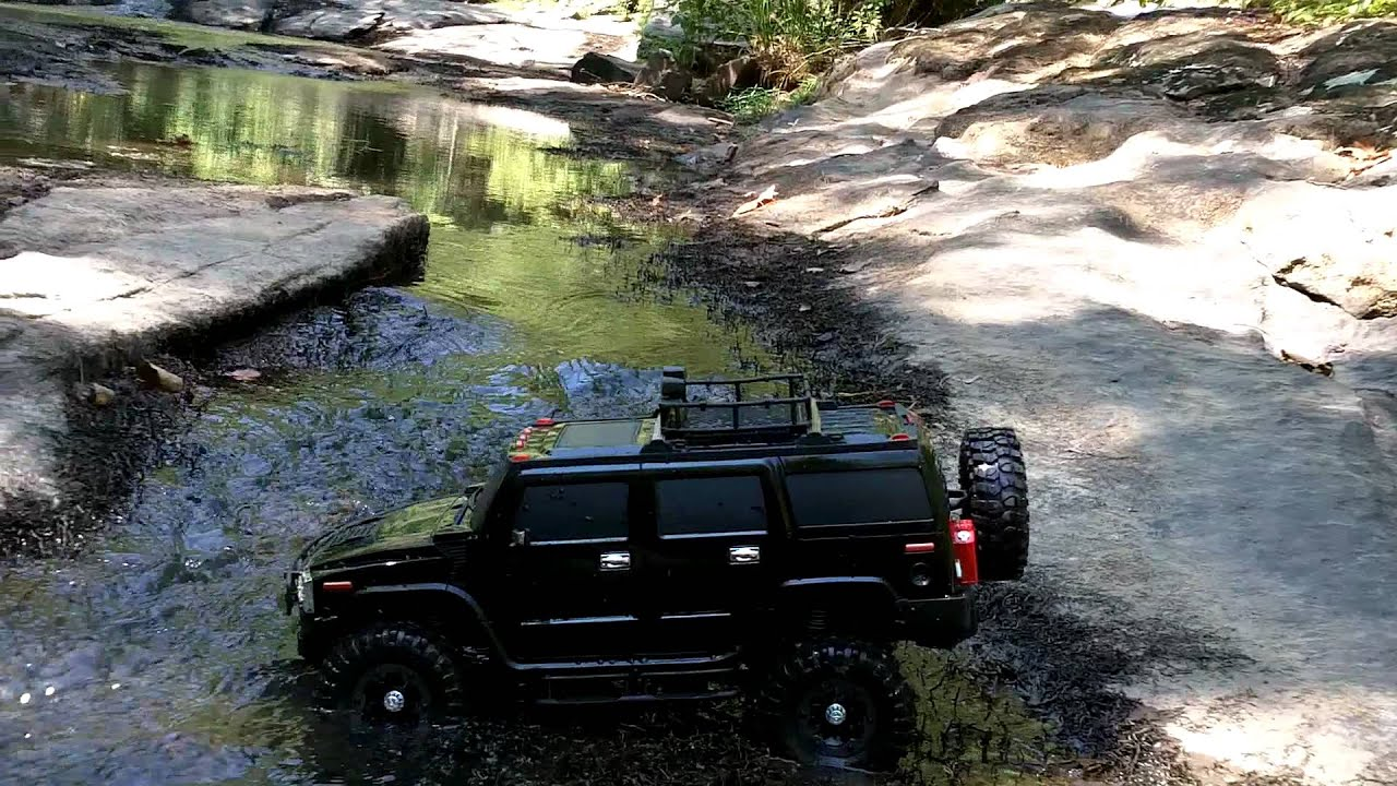 Scale Rc 4x4 Axial Scx 10 Hummer H2 On And In The River
