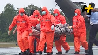 AirAsia QZ8501 Recovery Slowed By Bad Weather, Scouts Lend Hand