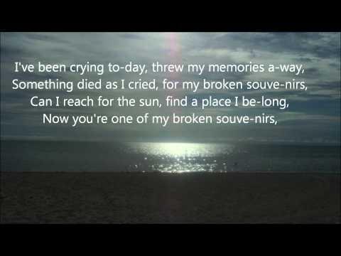 My Broken Souvenir (Cover version with lyrics)