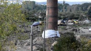 Gdańsk - wyburzenie komina lokomotywowni 8.10.2011