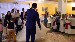 песня от невесты видеооператор на свадьбу в Элисте, Калмыкии