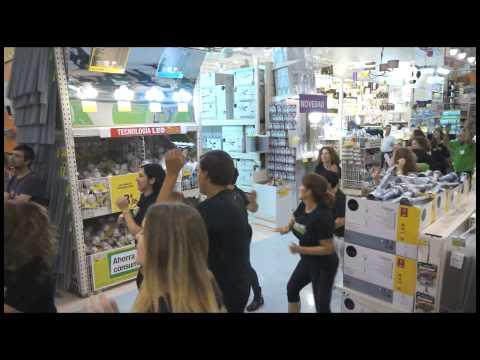 Gimnasios dreamfit flashmob en leroy merlin youtube for Gimnasio dreamfit