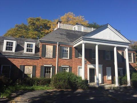 Abandoned Million Dollar Murderer's Mansion Exploration!