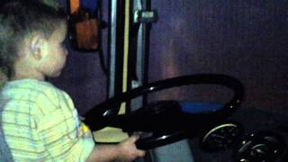 моя дочка водит пазик