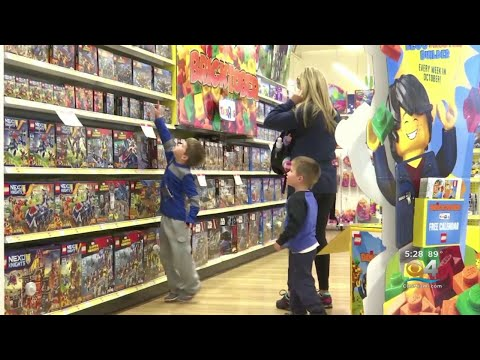 Brady - Dreams Of Children Everywhere Are Coming True - Toys 'R' Us Is RETURNING!