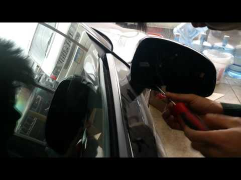 How to remove Audi R8 mirror assembly