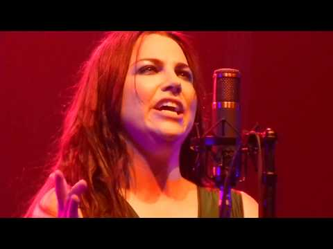 Amy Lee hits High Note - Evanescence Synthesis Tour - Bring Me to Life