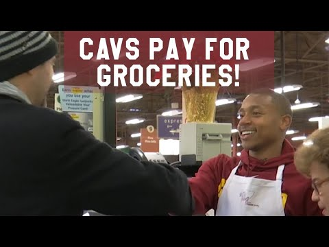 Watch Cavaliers players Isaiah Thomas and JR Smith surprise Giant Eagle shoppers for the holidays (video)
