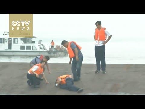 Massive rescue operation underway on the Yangtze River