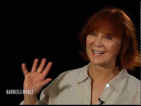 Meet the Writers - Janet Evanovich - YouTube