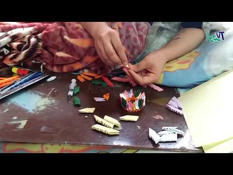 قطع الورق الذهبية تصنع أشكالا جوهرية    قصة «كورولوس» مع فن «الأوريجامي»  - 16:22-2018 / 4 / 17