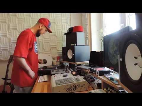 Beat Making on the MPC2000XL 4  Nasihat