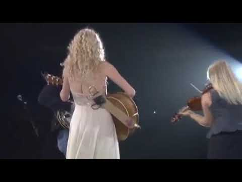 Konser pertama Taylor Swift Sebelum Terkenal usia 16 Tahun