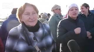 Раздача бесплатной тухлой рыбы в Петропавловске-Камчатском. Похорошело на РФ при Путине