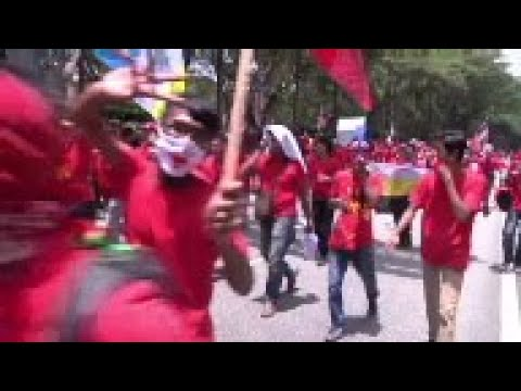 Ethnic Malays rally in support of PM Najib