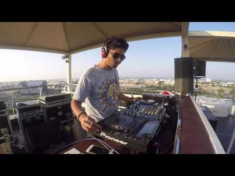 DJ VGroove Live Set - Jingle Beats at Park Inn Rooftop !!