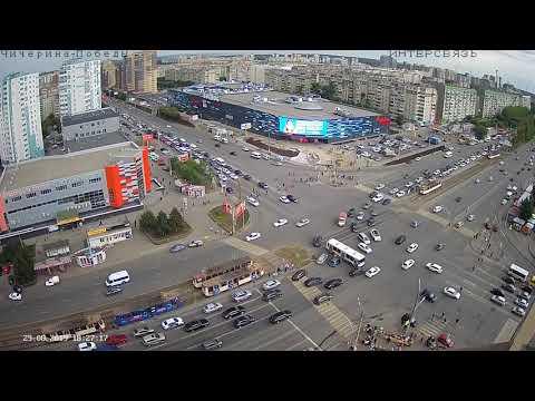Автобус не вписался при объезде машин- ДТП Челябинск ул.Чичерина-пр. Победы