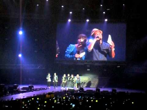 [SG-KMW 2011] - BingBang Interview with TOP's I LOVE YOU TOO (fancam)