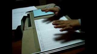 Умелые руки: Как быстро, ровно и аккуратно сложить большой лист бумаги(, 2014-02-26T15:14:29.000Z)