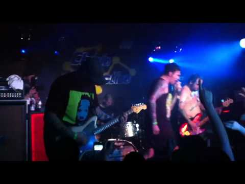 New Found Glory  Kiss Me HD