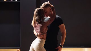 Cover images Sam Smith - Dancing With A Stranger - Ustin & Ieva (Dance Cover)