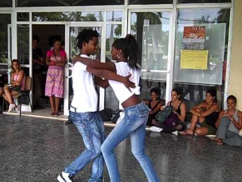 Cuba Dancers