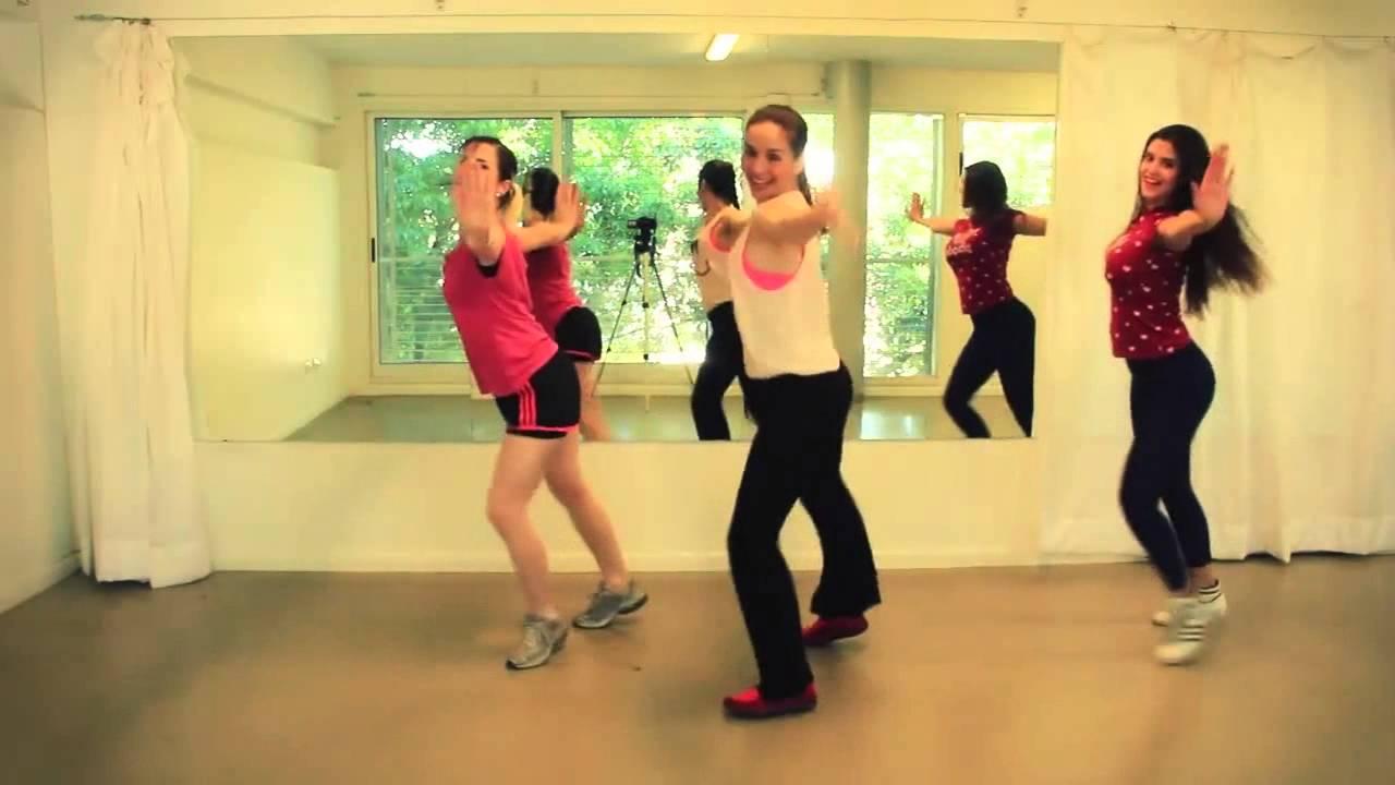 Наталья Орейро показывает, как нужно танцевать под ее хиты