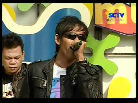 Dadali - Disaat Aku Mencintaimu,Live Performed di Inbox (09/10) Courtesy SCTV