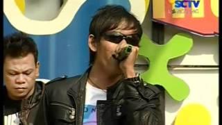 Dadali - Disaat Aku Mencintaimu,Live Performed di Inbox (09/10) Courtesy SCTV
