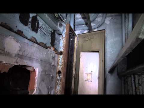 Exploring Scary Abandoned American Life Insurance Building Birmingham Alabama