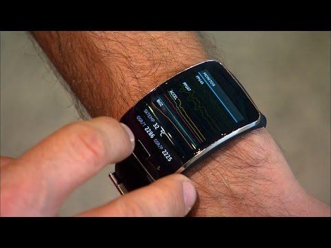 Внутри него, к примеру, находится датчик фотоплетизмограммы фпг для регистрации показателей сердечно-сосудистой активности и