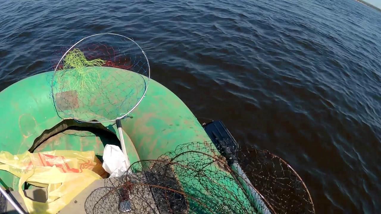 ловля леща на фидер с лодки на волге видео