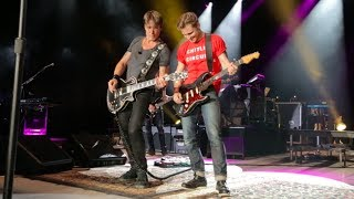 Keith Urban and Frankie Ballard - Keep Your Hands to Yourself